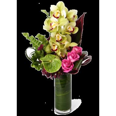 Jarra de Flores Verde e Rosa