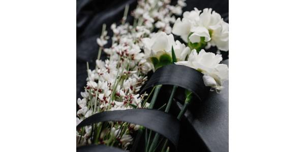 Dia de Todos os Santos 2021: flores para cemitério