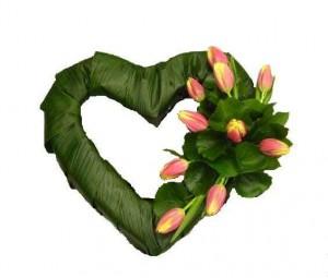 Coração Aberto com folhas e Tulipas